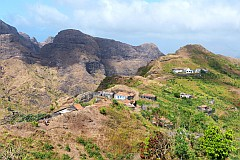 Santiago : Achada Lagoa : village and school : Landscape Mountain