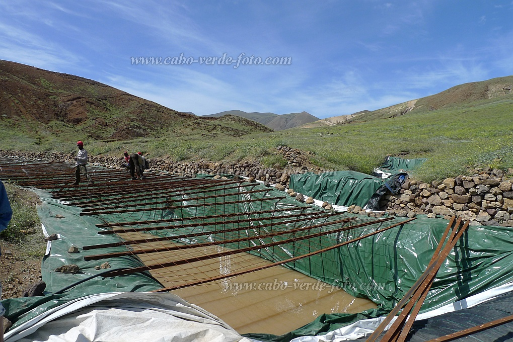 Santo Antão : Bolona Norte : drip-irrigation rainwater collection basin : Technology Agriculture